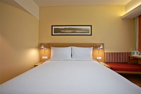 Ibis Jaipur: Double bed