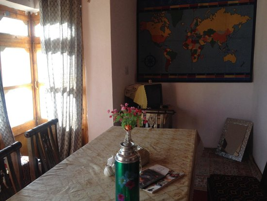 Botho Guesthouse: Outside living room, private dining table