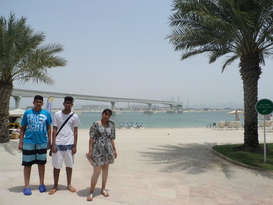 Atlantis, The Palm: On the beach