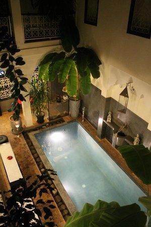 Riad Alboraq: Pool