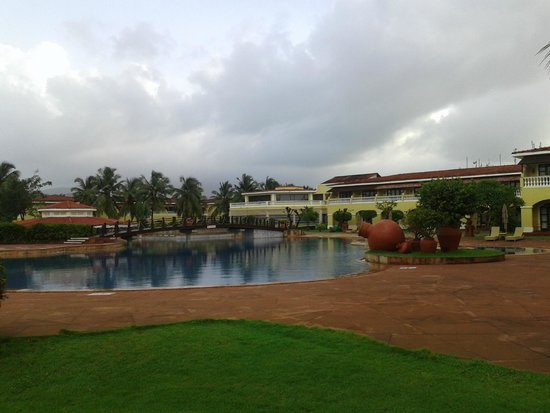 The LaLiT Golf & Spa Resort Goa: Poolside