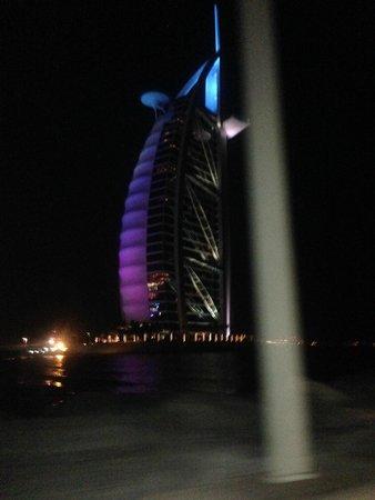 Jumeirah Beach Hotel: Burj Al Arab at night