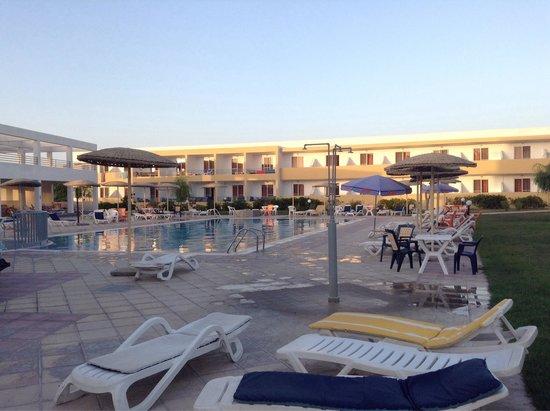 Pyli Bay Hotel: Piscine 1