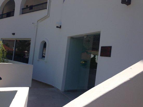 Bel Mare Hotel: вход