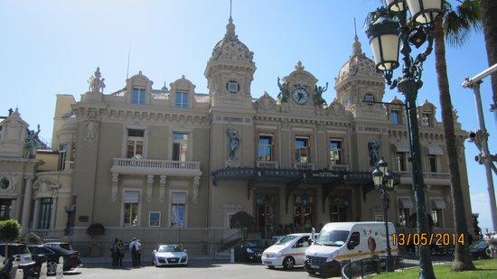Casino Square : At the square