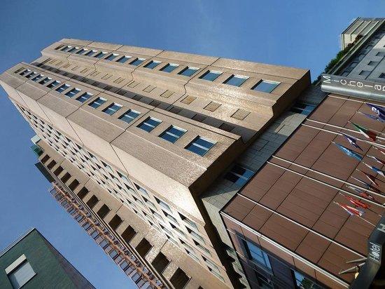 Michelangelo Hotel: 高層ホテルですぐにわかります
