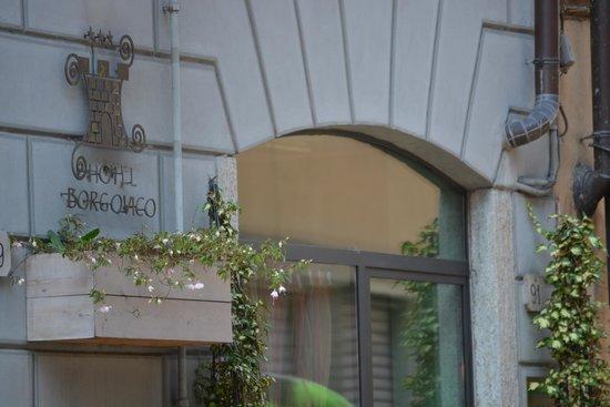Borgovico Hotel: front entrance