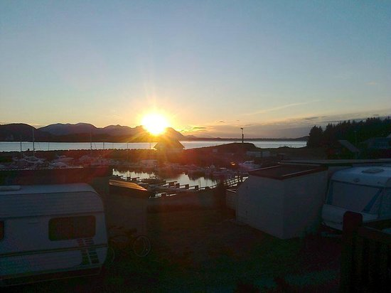 Tornes Fjordcamping: Solnedgang