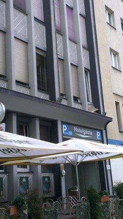 Potsdamer Inn: Hotel aussen