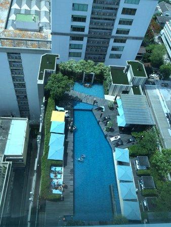 Sofitel Bangkok Sukhumvit: Pool seen from our Club Millesime corner room