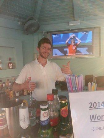 Agrilia Hotel: Chris the barman...Top guy!