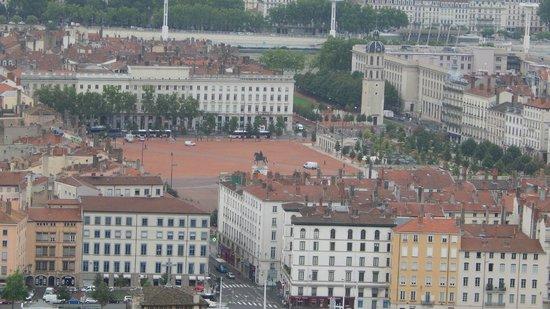 Vieux Lyon : Piazza Belleocur vista da ND de Fourvière