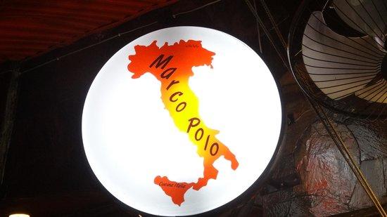 Marco Polo in Sorrento : 看板は上のほうにあるのでちょっとわかりにくいかも。