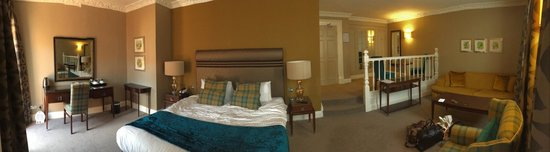 Crabwall Manor Hotel & Spa: The Junior Suite