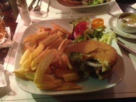 Orient Express Restaurant : Hamburguesa con salsa pimienta