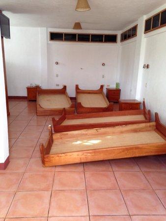 Hotel Mainao: Travaux à plein vue