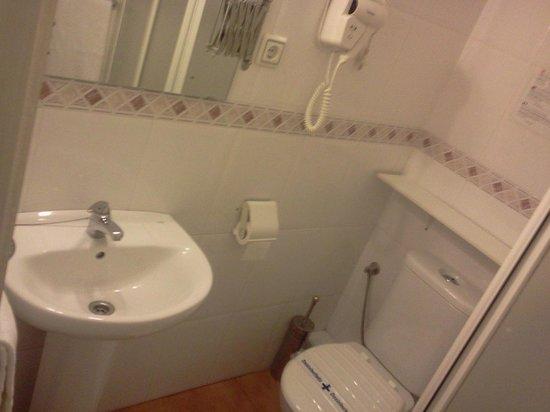 Hostal Central: Baño