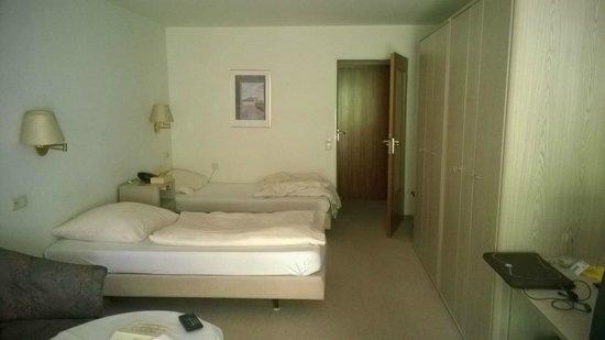 Hotel Quellenhof: Das Zimmer im Erdgeschoß