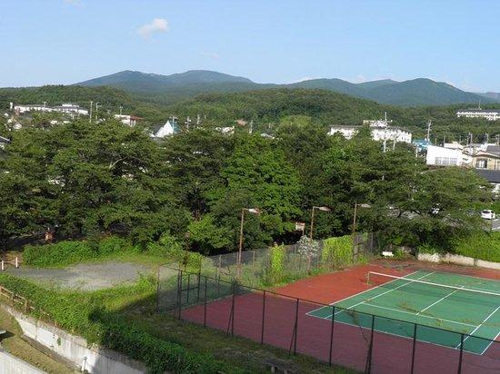 Kunugidaira Hotel : 宿から見える安達太良連峰