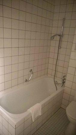 Hotel Quellenhof: Bad
