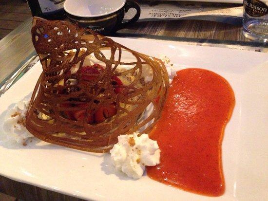 La Tour de Crêpes : Crêpe dessert: la cage aux fraises