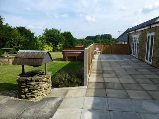 Whitton Lodge: Hot tub