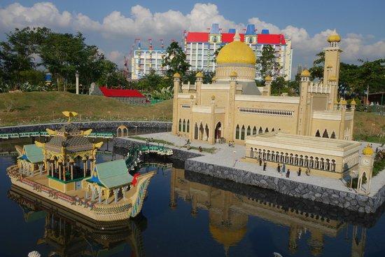 Legoland Malaysia: miniland
