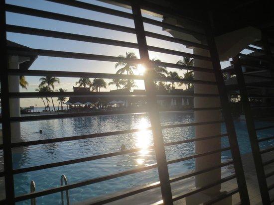 Sofitel Mauritius L'Imperial Resort & Spa : Méga-piscine