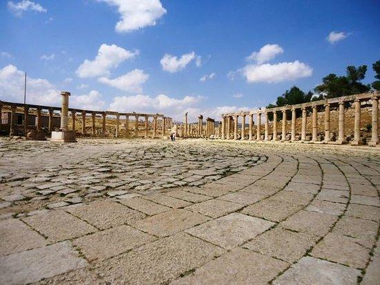 Ruines de Gérasa : Foro ovale