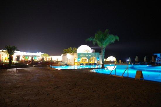 Mercure Hurghada Hotel: Вечером