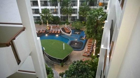 Deevana Plaza Phuket Patong : Bar & spa view