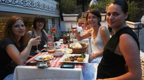 Aloran Cafe & Restaurant : Chill relax enjoy :)