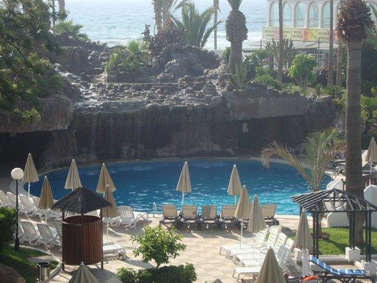 H10 Conquistador: pool