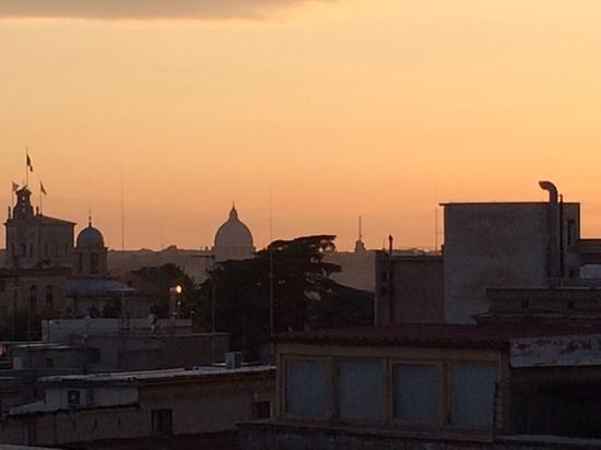 Hotel Artemide : the view from the Artemide rooftop restuarant.