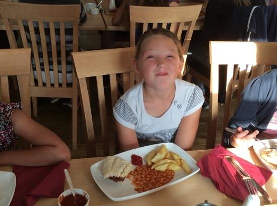 The Three Horseshoes: kids burger and chips