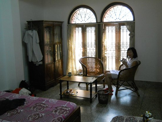 Dream Nest  Guesthouse: Our relaxing room, such charm.