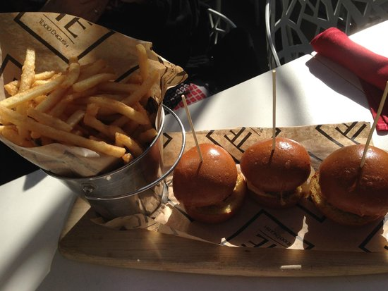 Todd English P.U.B.: Beef Sliders