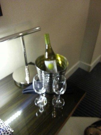 Grand Hyatt New York: Birthday wine!
