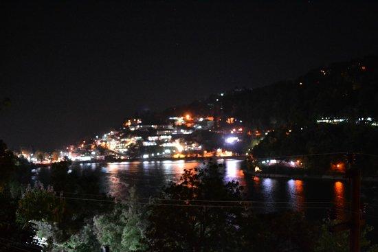 Hotel Silverton: Evening view 2