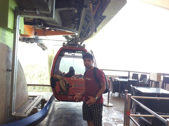 Langkawi Sky Cab : The Cable Car