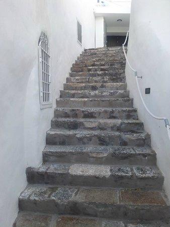 Scalinata di ingresso - Picture of La Terrazza sul Porto, Ponza ...