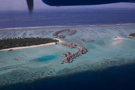 COMO Maalifushi, The Maldives : Water Villas in foreground