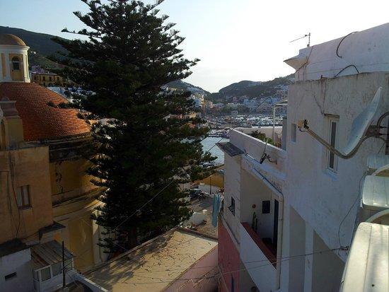 la vista dal terrazzo lato chiesa di S. Silverio - Foto di La ...