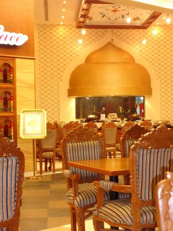 Indian Palace: ديكورات المطعم