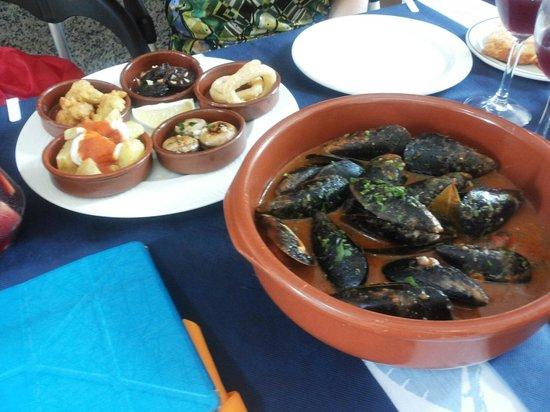 Restaurante La Lonja : Cozze alla marinara e tapas
