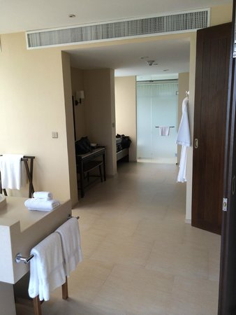 Vana Belle, A Luxury Collection Resort, Koh Samui: great shower (very important)