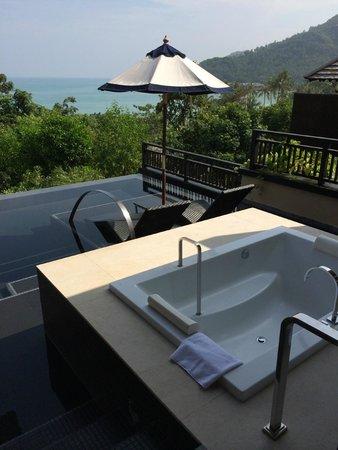 Vana Belle, A Luxury Collection Resort, Koh Samui: infinity pool in room