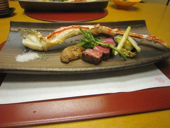 Jozankei Daiichi Hotel Suizantei: タラバガニと和牛とフォアグラ