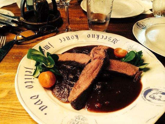 Pivnice Dacicky: Wild boar in plum sauce