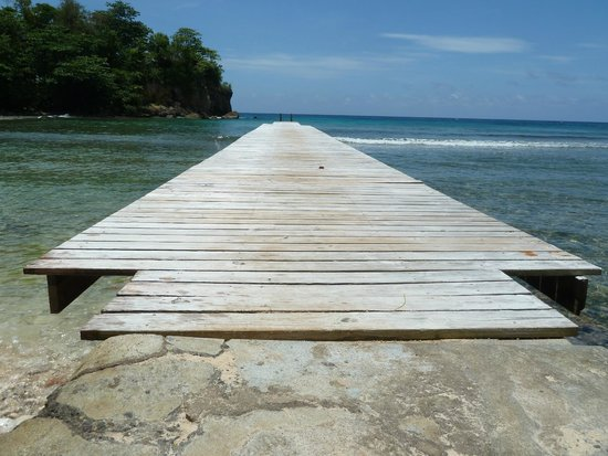 The Resort at Wilks Bay: Swimming dock to the ocean